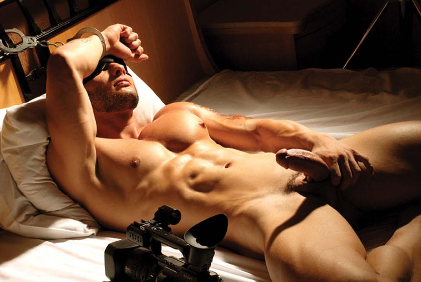 Эротика мужики голые, Голые парни: порно видео онлайн, смотреть порно на 10 фотография